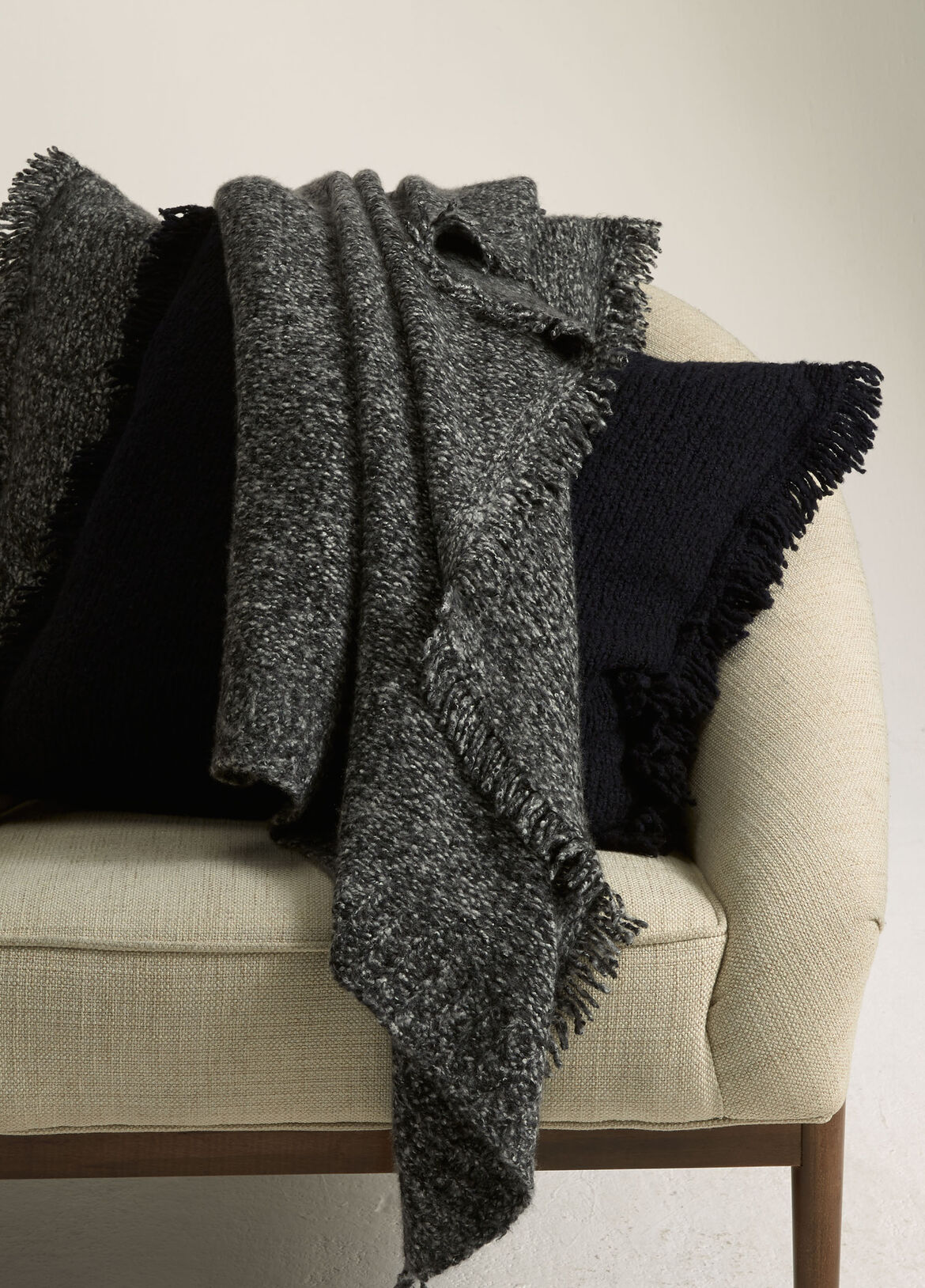 빈스 Vince Fringed Ribbed Wool and Cashmere Blanket,COASTAL BLUE