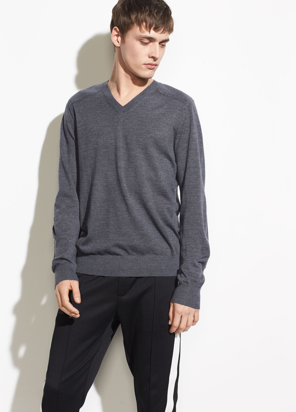 빈스 Vince Elbow Patch V-neck,heather carbon