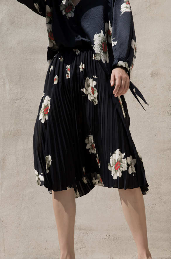 Gardenia Floral Pleated Seamed Skirt Vince Spring for Women