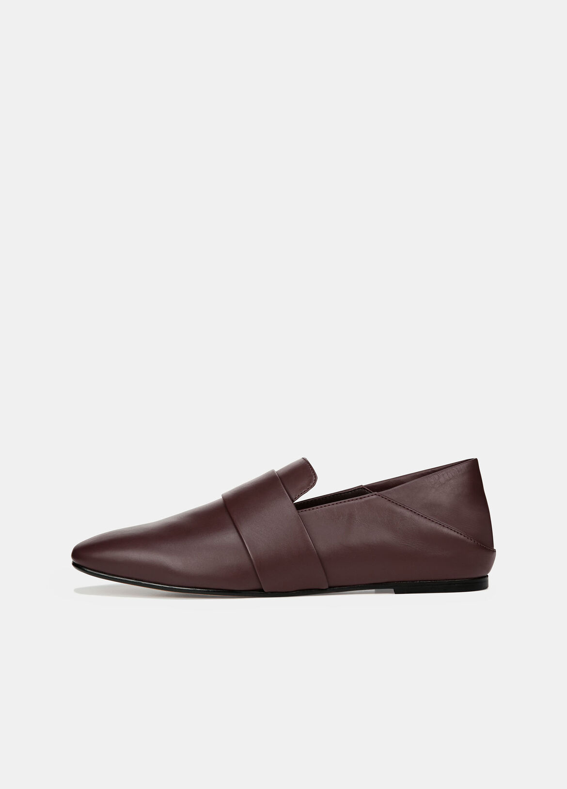 The pared-back loafer feels luxurious in buttery-soft leather with a smooth finish. Details reveal a minimal penny keeper and a fold-down heel-go from sleek to casual with an effortless collapse.