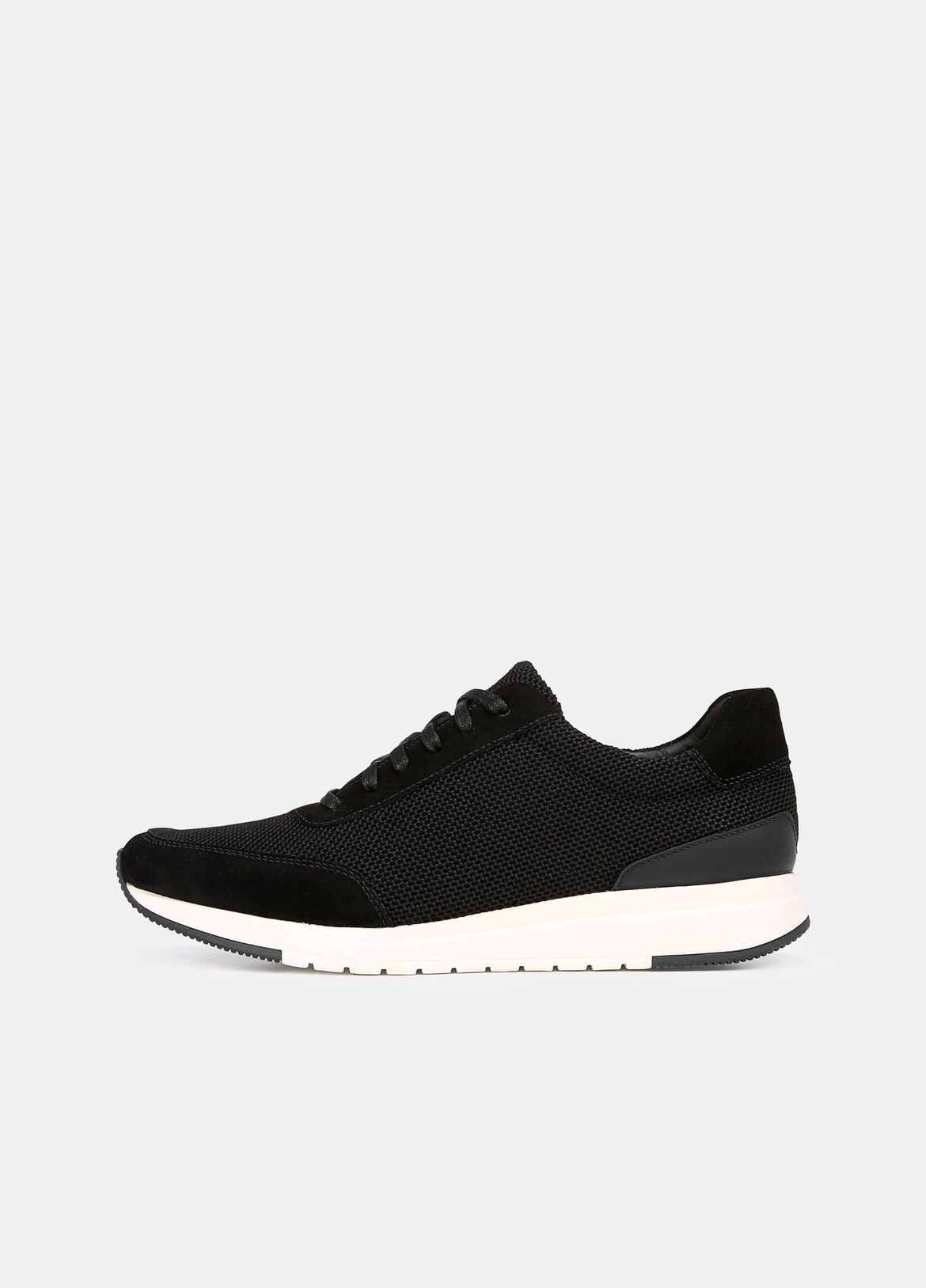 An artful combination of premium suede and mesh, the Payton sneakers are a refined take on the season's sport mood. They're detailed with contrasting tipping at the front and back of the rubber soles.