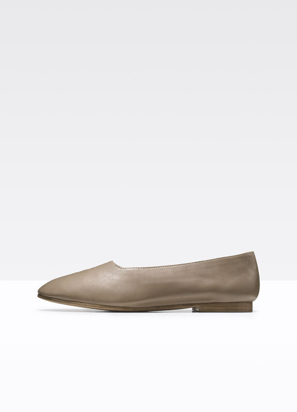 196d54385 Maxwell Leather Flat for Women | Vince