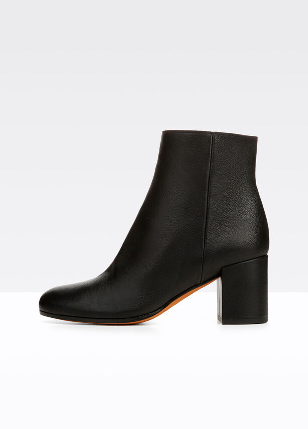 Blakely Leather Bootie For Women Vince