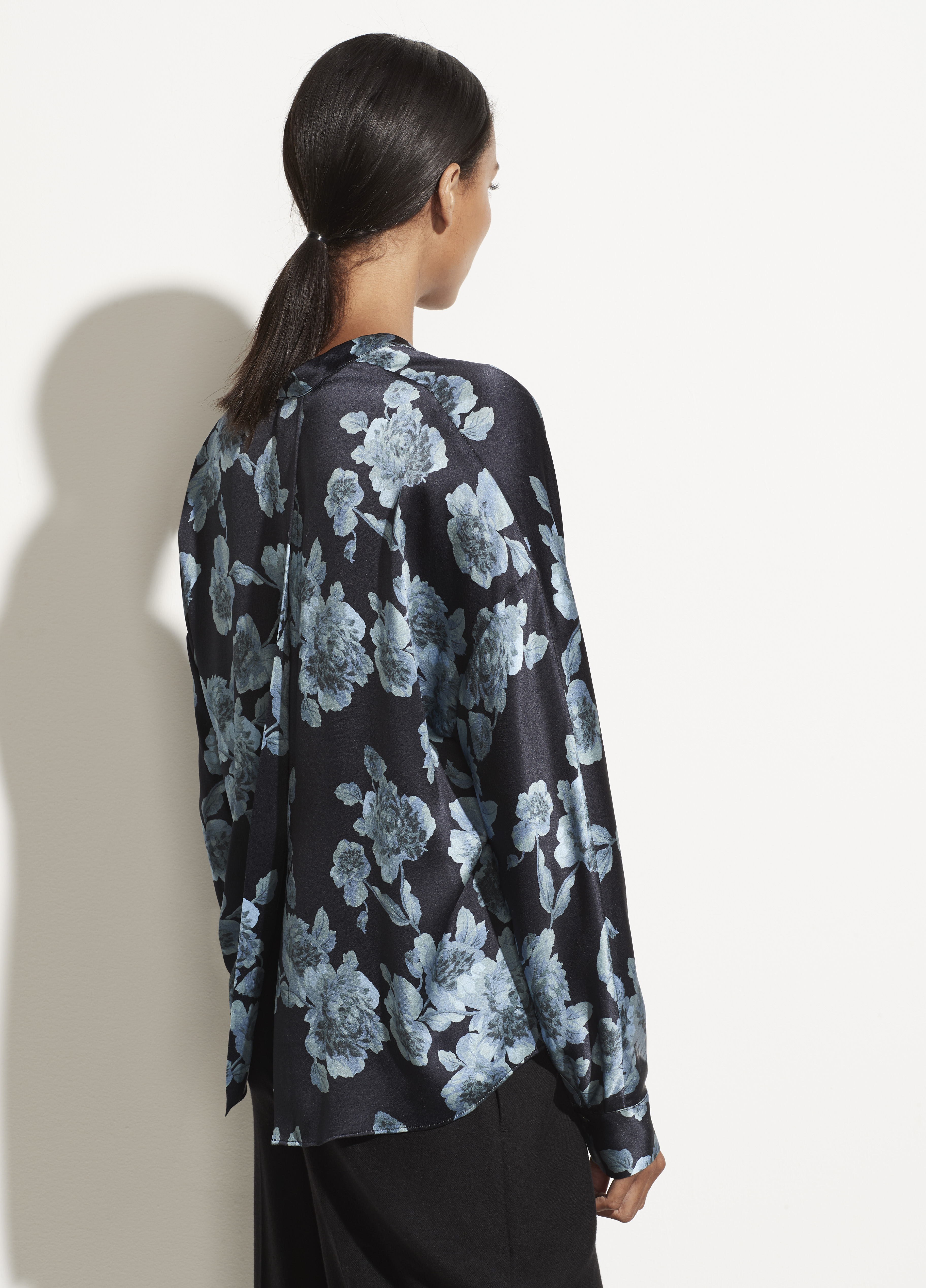 Tapestry Floral Popover Blouse