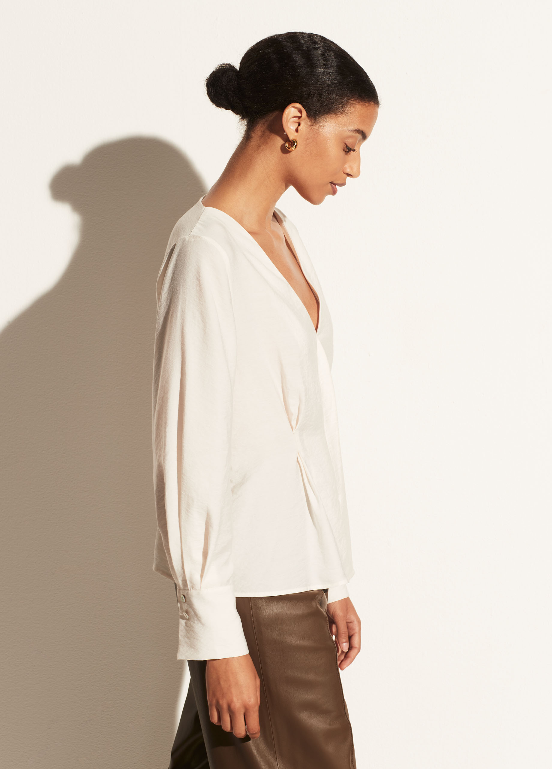 Fitted Shaped Sleeve V-Neck Blouse