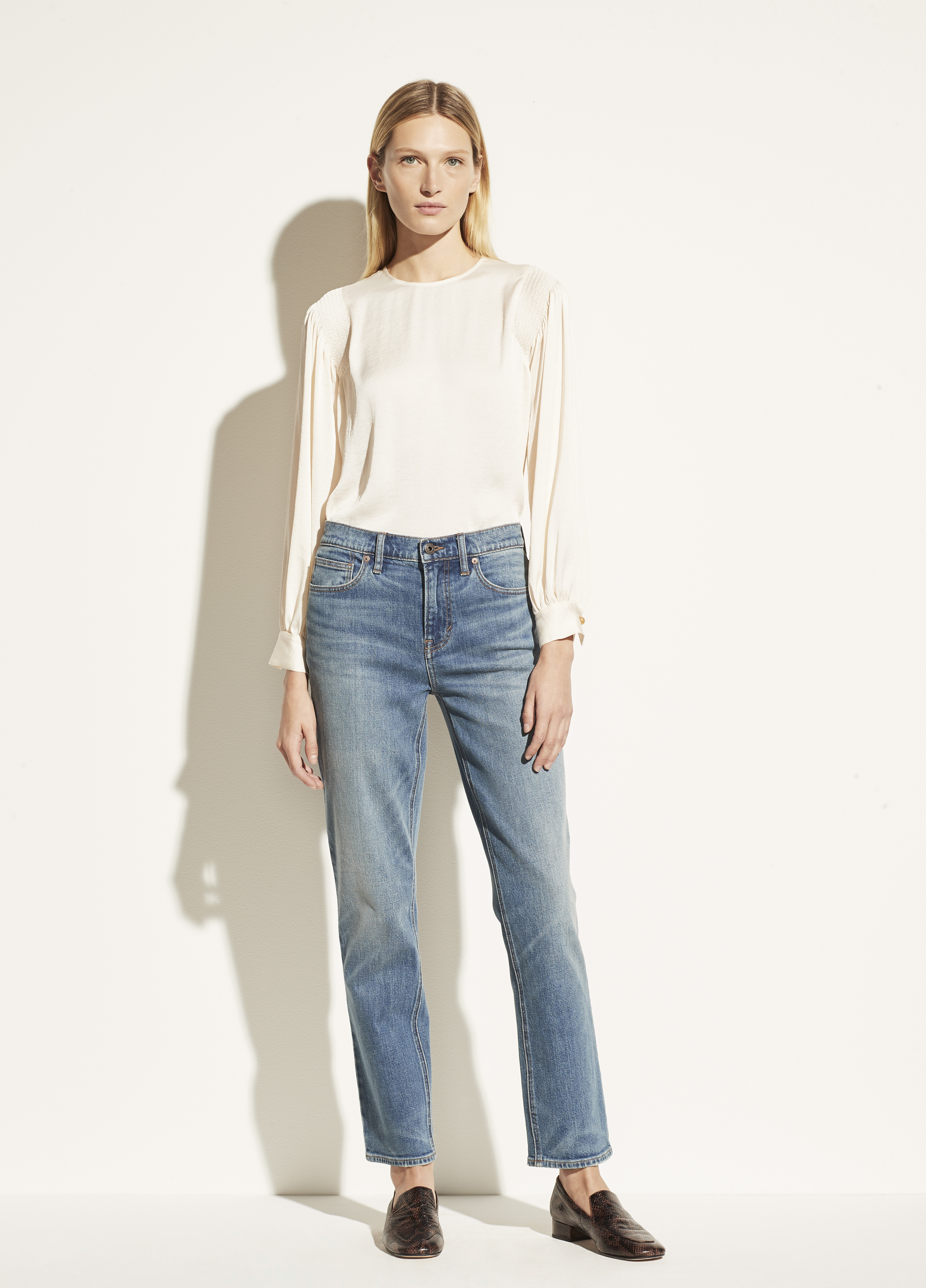 Exclusive/ Relaxed Straight Jean