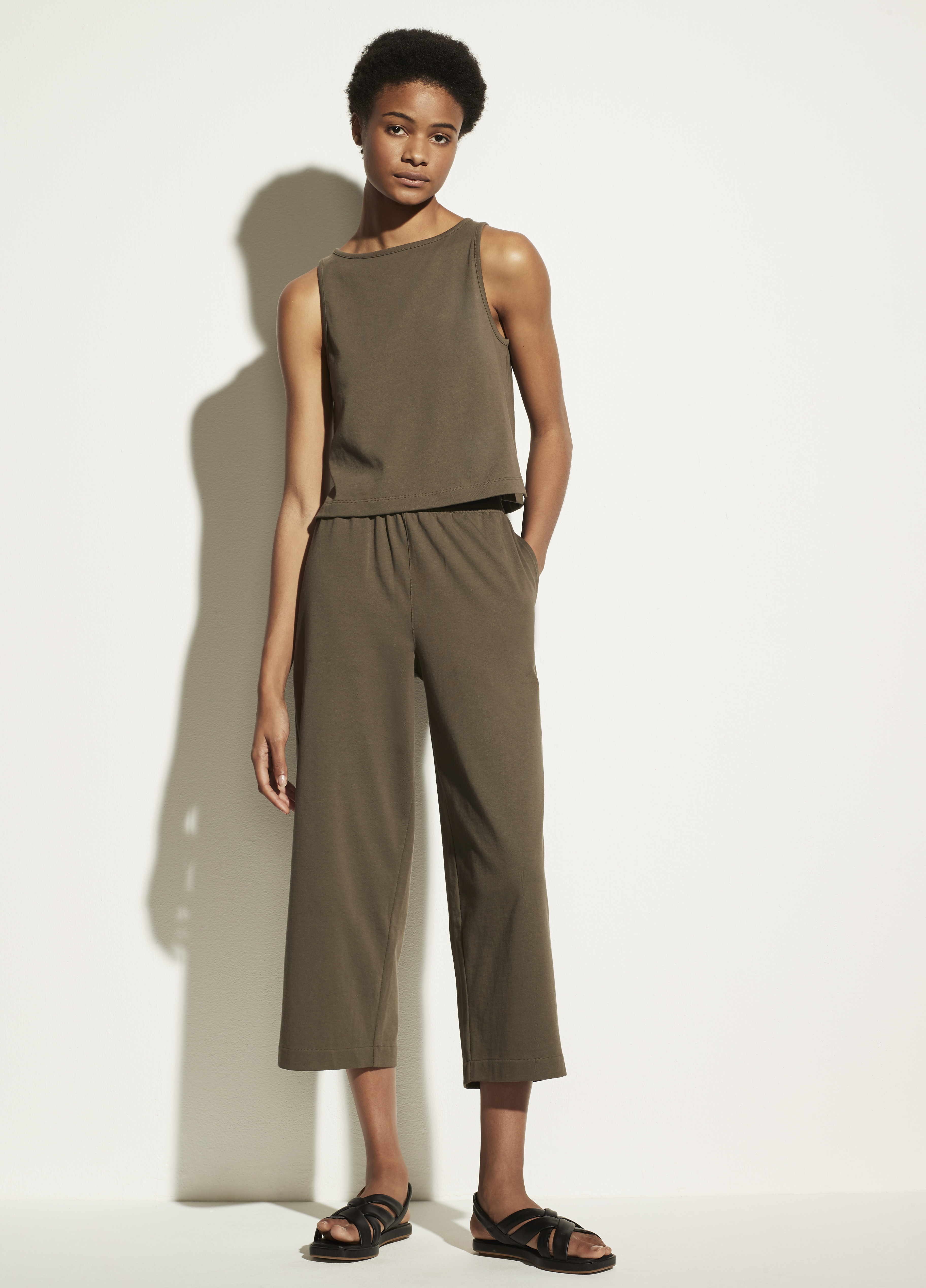 Cropped Wide Leg Pull On Pant