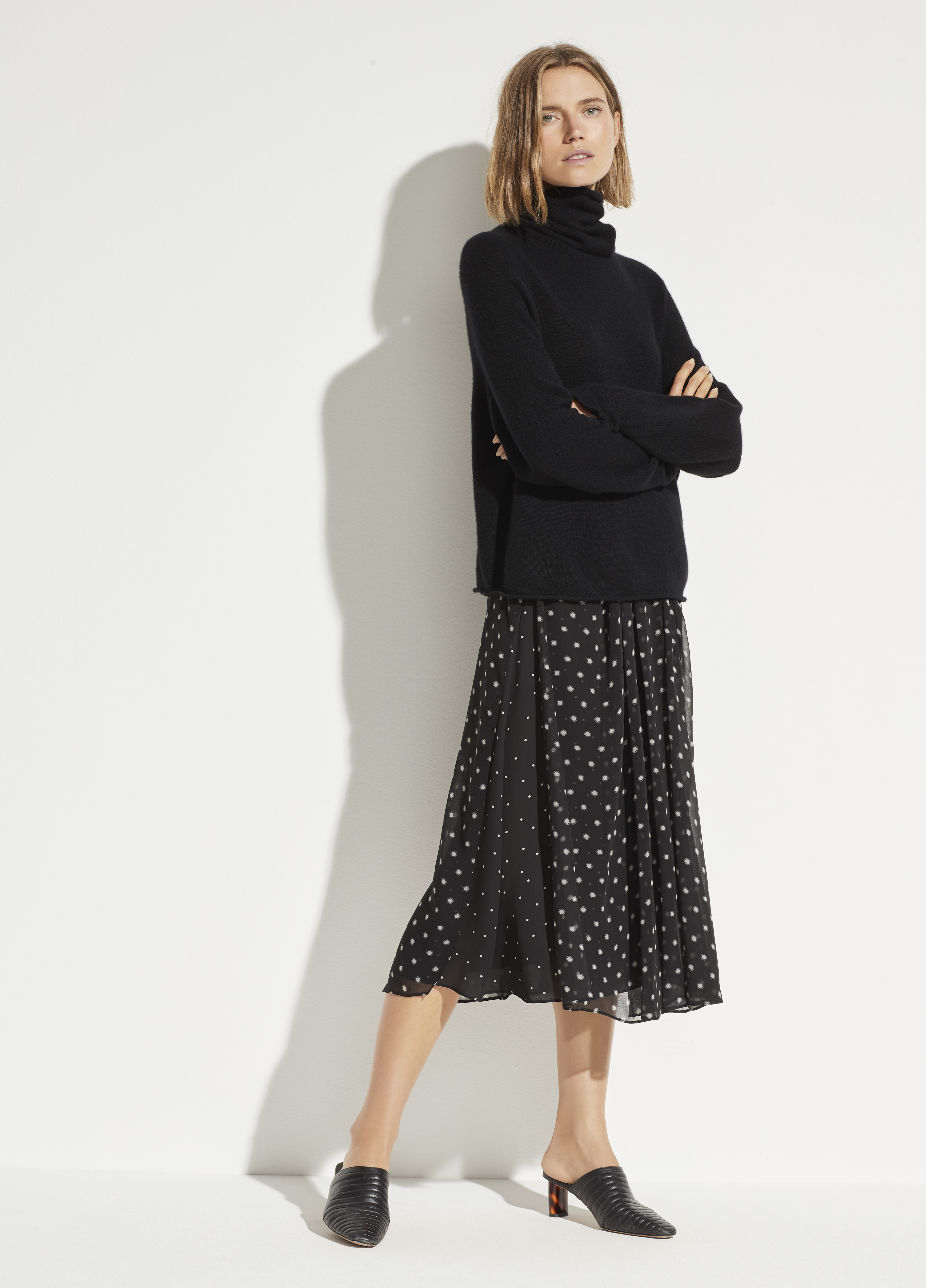 Dotted Satin Popover